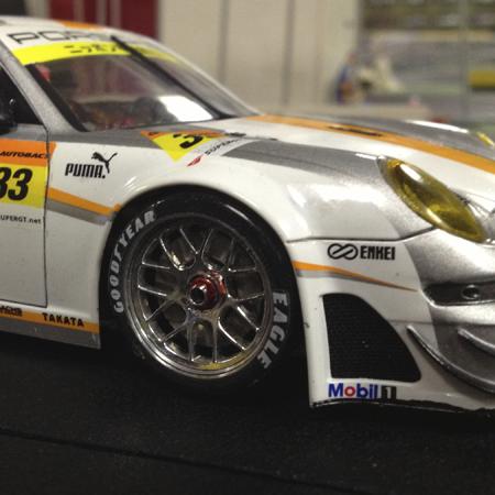 http://www.slotracinglemans.com/images/scaleauto/PorscheGT3RSR45.jpg